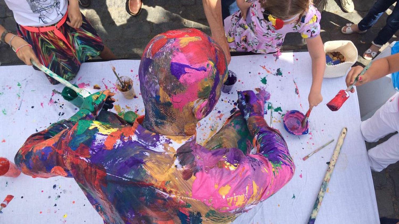 Cliquez ici pour en savoir plus sur Peinture sur soi